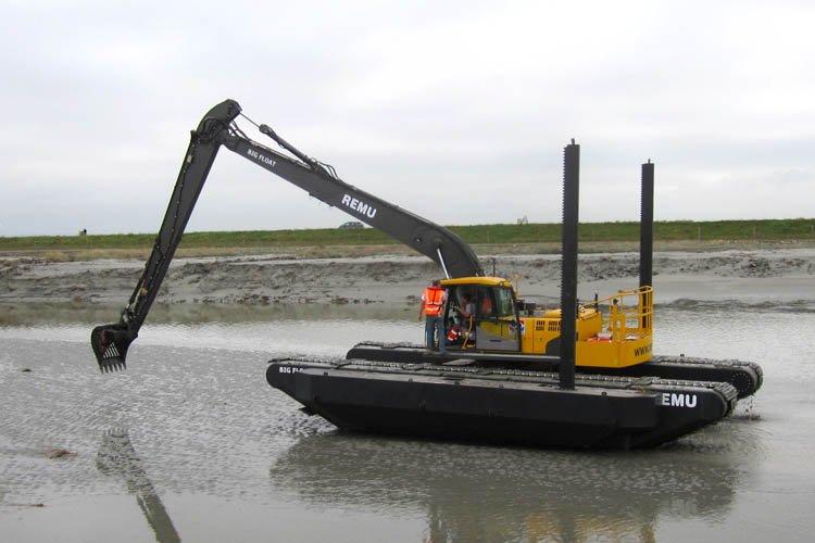 Pelle amphibie Big Float E22 canal