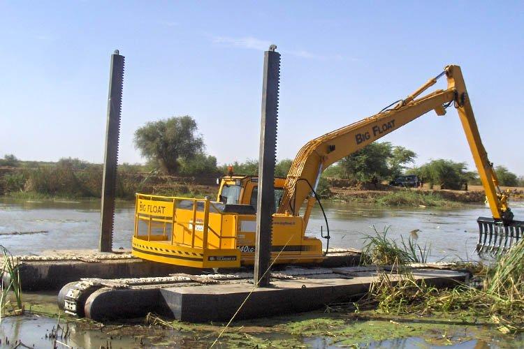 Pelle amphibie Big Float 1400 Sénégal