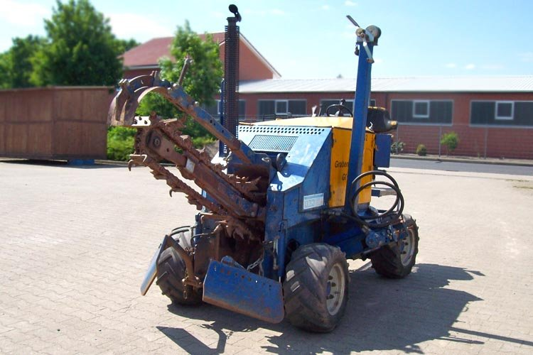 Trancheuse à chaine Liba GM1 sur roues 4x4