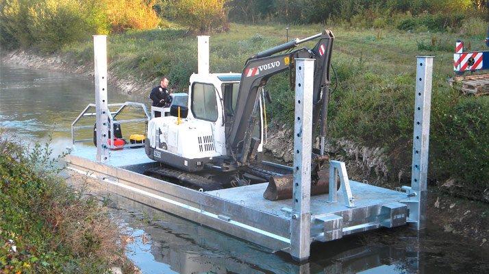 Barge de transport avec minipelle CDO INNOV - RDS France, spécialiste du matériel TP