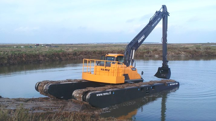 Pelle amphibie Big float REMU 1400 - RDS France, spécialiste du matériel TP