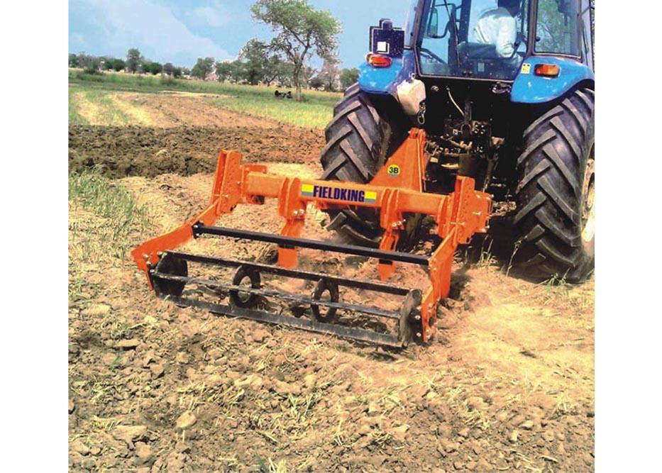 Fieldking sous soleuse agricole