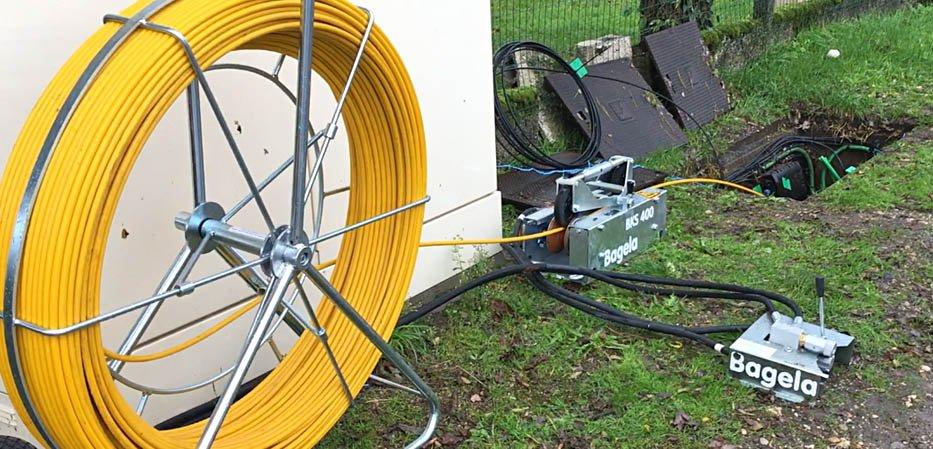 Aiguillage avec pousseur de cable