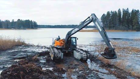 Vidéo pelle amphibie Big Float E15