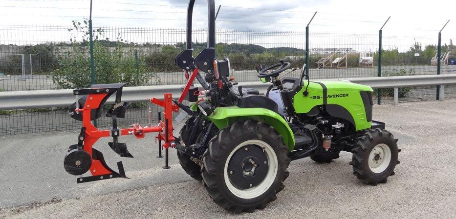 Charrue réversible sur micro tracteur Preet